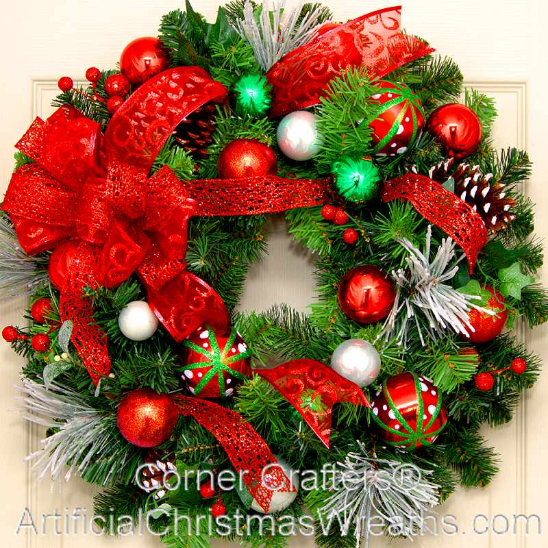 MERRY CHRISTMAS WREATH | CornerCrafters.com | XMAS WREATHS